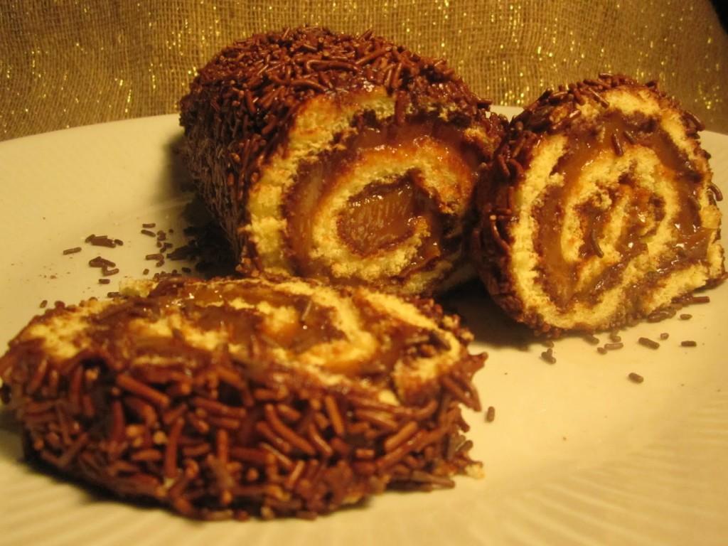 rocambole de brigadeiro - receita de bolo de rolo de brigadeiro